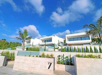 Preciosa villa de nueva construcción en Alcúdia