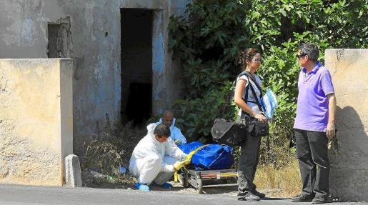 Antes de las tres de la tarde de ayer, la hermana del desaparecido avisó a la policía de un intenso olor en una casa sospechosa. Fotos: VASIL VASILEV