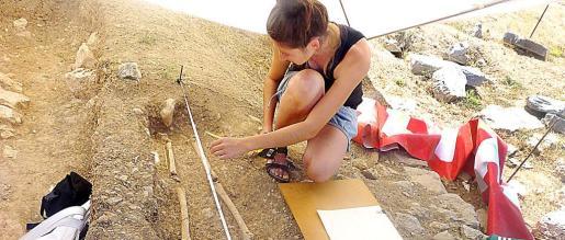 La excavación de Son Pereto destapa nuevos enterramientos.