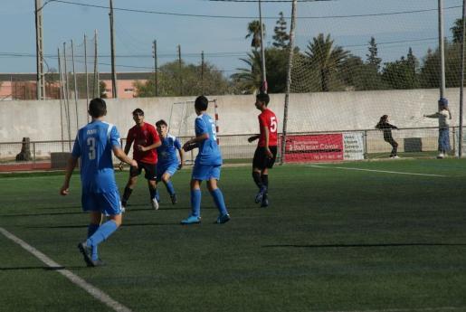 Imagen de un partido entre Mallorca y Campos de la categoría cadete.