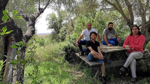 Representantes de la Fundació ACA, del Ajuntament y del Parc de les Olors, presentaron el proyecto en Búger.