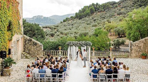 La finca Comassema, en Orient, celebra un buen número de bodas en plena Serra.