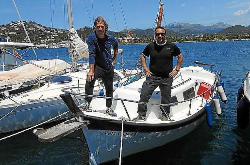 Raúl y David en el puerto de Andratx.