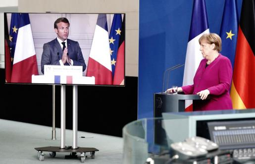 German Chancellor Angela Merkel holds a joint video news conference with French President Emmanuel Macron in Berlin, Germany, May 18, 2020.  Kay Nietfeld/Pool via REUTERS FRANCE-GERMANY/