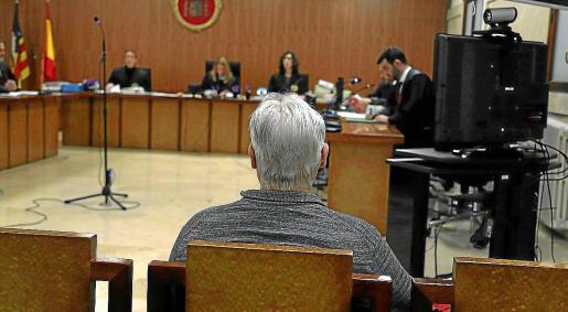 El imputado, el día que se celebró el juicio, en la Audiencia Provincial de Palma.