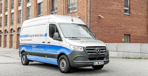 La conocida furgoneta de la firma alemana estará disponible en una versión totalmente eléctrica.