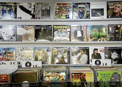 Imagen de algunos discos clásicos del Espai Xocolat de Palma.