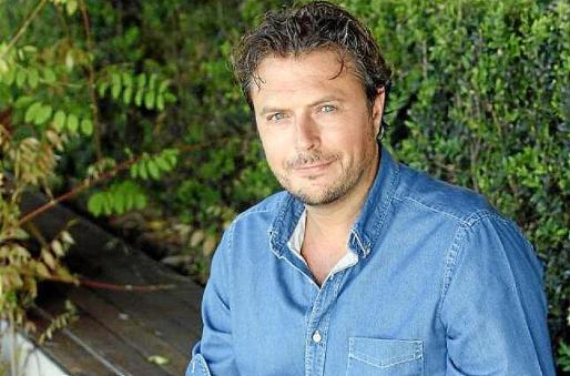 Tirso Calero, creador de series de éxito como 'Servir y proteger' o 'Bandolera'.