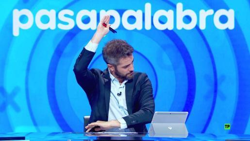 Imagen del presentador de Pasapalabra, Roberto Leal.