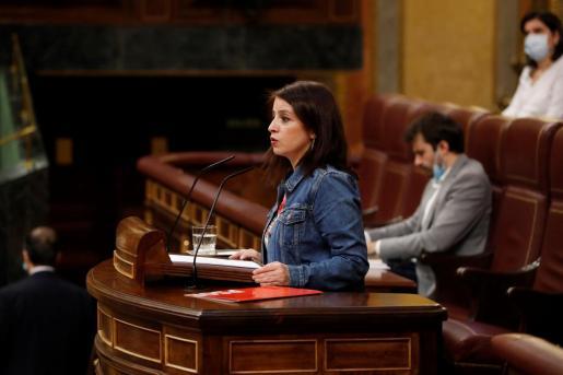La portavoz del PSOE, Adriana Lastra, interviene en el del pleno del Congreso que debate este miércoles la quinta prórroga del estado de alarma.
