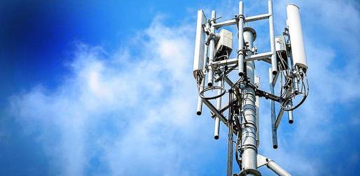 Diversas plataformas atribuyen a las antenas de telefonía móvil impactos negativos en la salud.