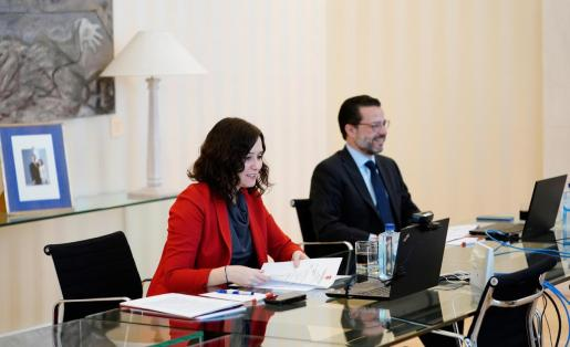 La presidenta de la Comunidad de Madrid, Isabel Díaz Ayuso junto con su consejero de Hacienda, Javier Fernández-Lasquetty.