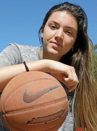 Imagen de la jugadora de los Arizona Wildcats Helena Pueyo.      ...    FOTO : BOTA