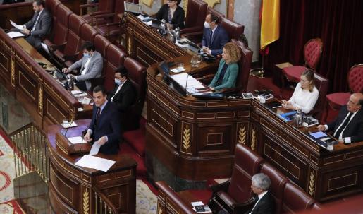El presidente del Gobierno, Pedro Sánchez, durante su intervención en el pleno del Congreso que aprobó el pasado miércoles la quinta prórroga del estado de alarma.