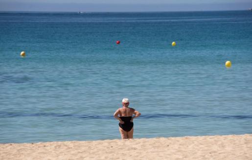 Palma reabre este lunes sus playas sin restricciones, el Ayuntamiento de Palma reabre las playas sin restricciones de horario ni aforo más allá de los dos metros de distancia entre bañistas y que los grupos no superen las quince personas.