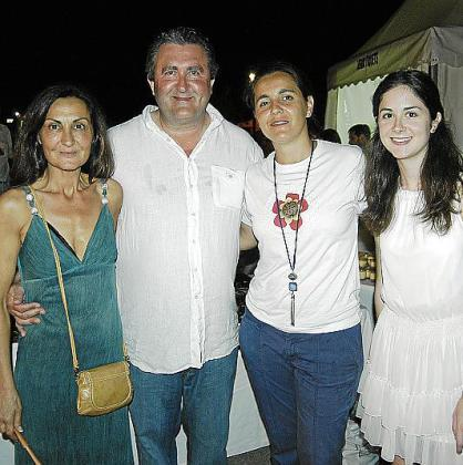 Tonina Bestard, Ramón Servalls, Elena Blanch y Antonia Cladera.