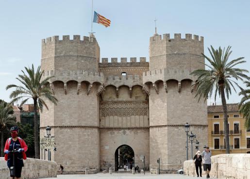 La Comunidad Valenciana ha solicitado pasar en su totalidad a la fase 2Carlos Cárdenas Baneras a media asta en memoria de las víctimas de la pandemia
