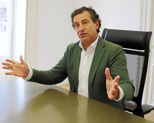 El presidente regional del PP, Biel Company, en la sede del partido.