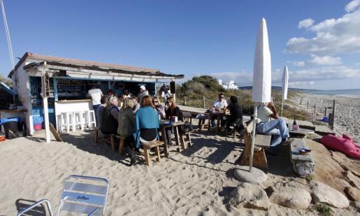 Imagen de un chiringuito de playa en Formentera.