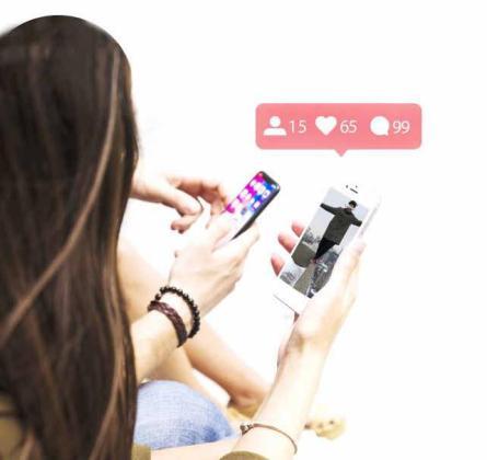 Analizamos con expertos en redes sociales y psicólogos la necesidad de muchos adolescentes de buscar la aceptación social en las plataformas digitales.