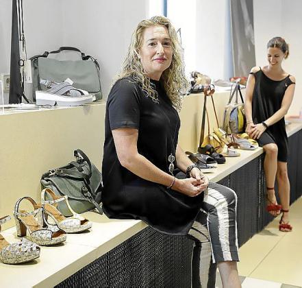 Núria Torres, que regenta junto a Cati Pujol las tiendas Núria Disseny y Nucandara.