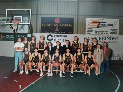Imagen de la plantilla del Gráficas García Bàsquet Inca de la temporada 1994/95.