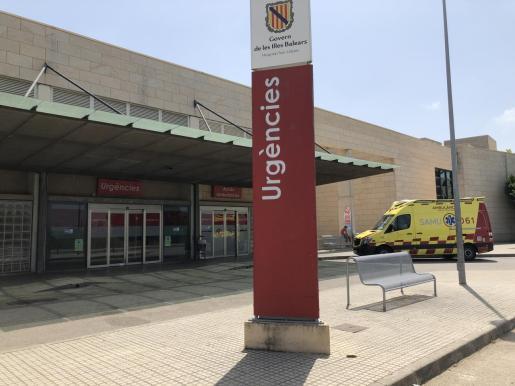 Todos los miembros de la familia, incluidos los casos negativos, han sido hospitalizados: 13 se encuentran en el hospital Son Llàtzer y dos en el hospital Sant Joan de Déu de Palma.