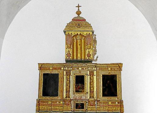 Tanto el retablo como los frescos de la capilla del Sagrario necesitaban una intensa rehabilitación. El estado de las pinturas era especialmente preocupante, habiendo desaparecido en algunos puntos.