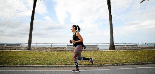 La práctica de deporte al aire libre y el uso de playas ha generado muchas consultas.