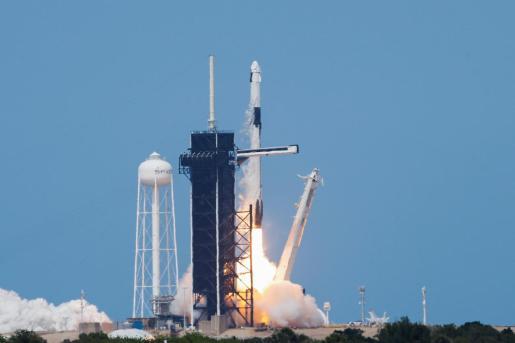 Despegue de la nave Crew Dragon de Space X.