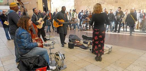 Los musicos y artistas callejeros podrán volver a las calles a partir de la Fase III del proceso de desescalada.