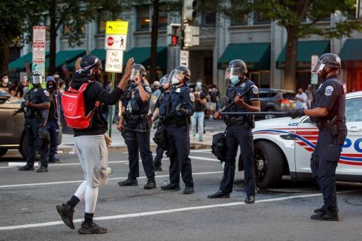 Protestas por la muerte de George Floyd, en los alrededores de La Casa Blanca.