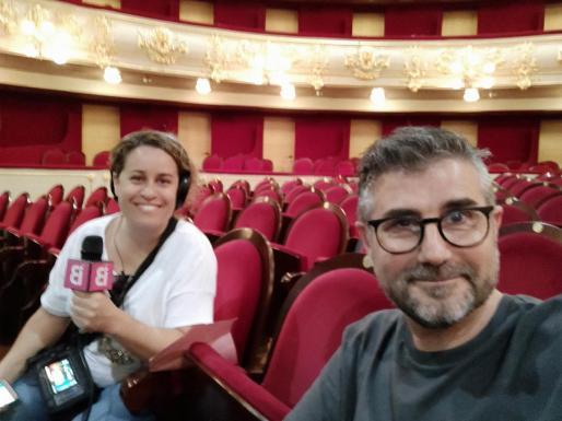 Imagen del director del Teatre Principal en una entrevista con IB3.