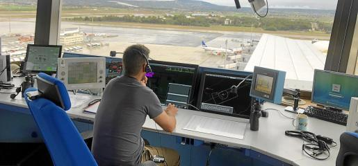 El objetivo de Enaire es modificar los actuales procedimientos de entrada y salida vía vectores aéreos por puntos de entrada controlados por satélite.