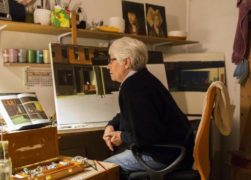 Marisa González-Capitel destaca como pintora y ceramista de renombre.