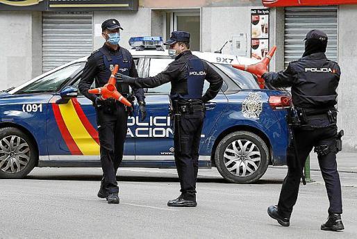 Intervención de los agentes de la Policía.