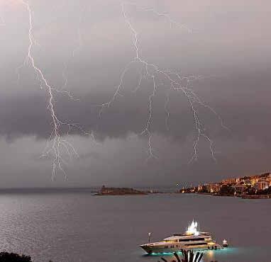 Profesionales, expertos y aficionados a la meteorología de Mallorca se zambullen en tormentas y 'caps de fibló' para analizar los efectos del cambio climático