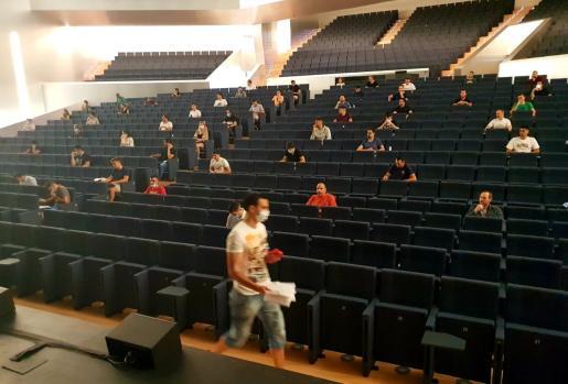 La prueba, celebrada este viernes en el Palacio de Congresos, es la primera oposición organizada en Baleares tras la pandemia.