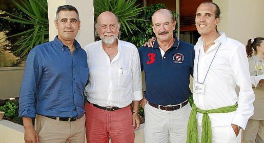 Pedro Oliver, Francesc Bergas, Antonio González y Joan Poch.