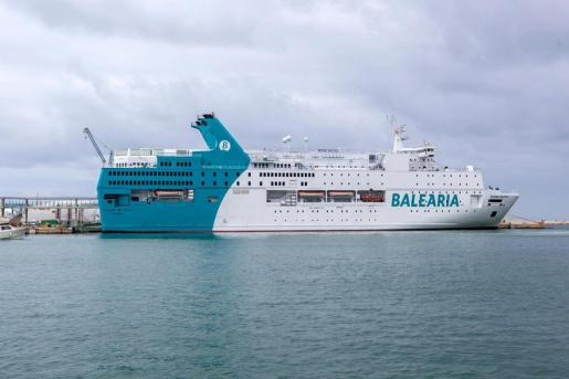 Imagen de archivo de un barco de Baleària.