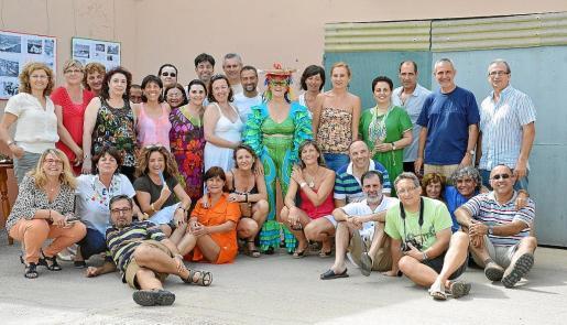 Imagen de grupo de la promoción de bachillerato del 79 del colegio Sant Josep Obrer.