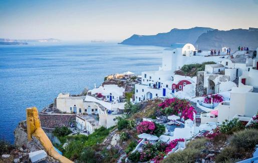 Conscientes del peso del turismo para su economía -un 25% del total del PIB-, Grecia ha puesto en marcha un plan para que los viajeros estén y se sientan seguros hasta en la más recóndita de sus islas.