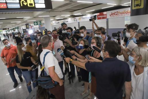 La llegada de los primeros turistas despertó una gran expectación mediática.