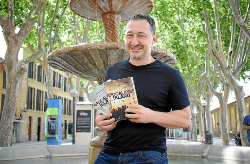 El escritor Vicente García, en una imagen reciente en Palma.