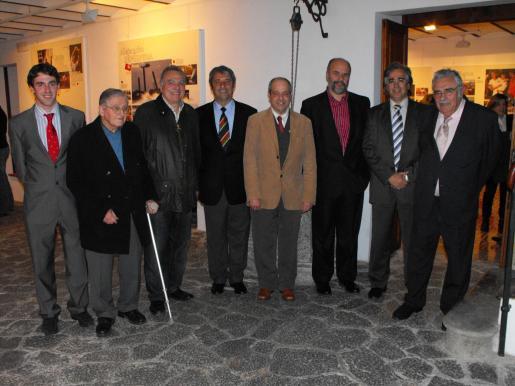 A la izquierda, Borja Pons, Amador Pastor, Vicenç Sastre, Antoni Pons, Bartolomé Oliver, Rafael Vaquer, Rogelio Araújo y Pere A. Serra