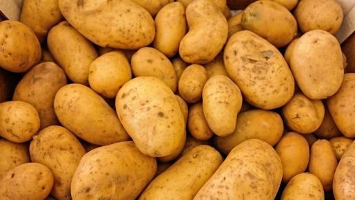 El almidón resistente se puede ingerir en alimentos como las patatas.