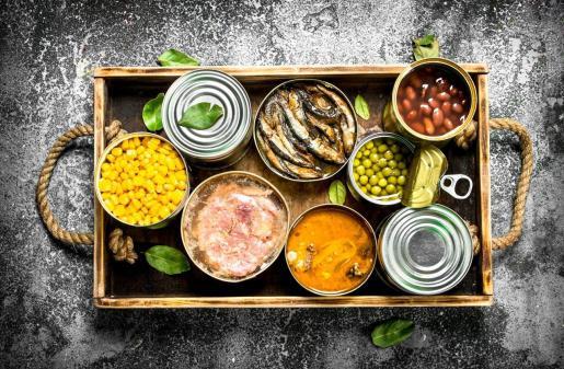 Las latas para conservar alimentos se fabrican en miles de millones de unidades cada año.