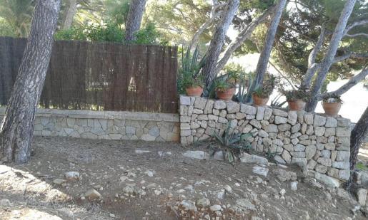 Imagen de una de las paredes que deben ser demolidas.