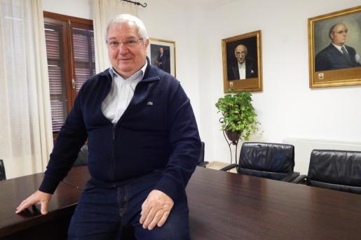 El Govern y Memòria de Mallorca avisan a Joan Monjo de que la ley no permite que sea Hijo Ilustre,