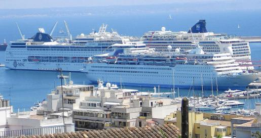 La Dirección General de la Marina Mercante ha dictado restringir la actividad de los buques de pasaje tipo crucero en los puertos españoles